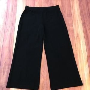NWT Chico's Black Travelers Hutton Pants 2 Short